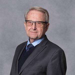 Dr.h.c. prof. Ing. Juraj Stern, PhD., rektor PEVŠ